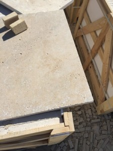 Cross cut light mix travertine tumbled (2)