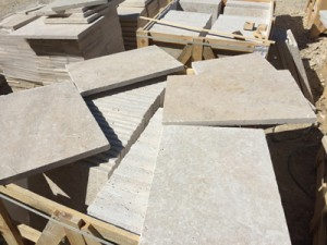 Cross cut light mix travertine tumbled (3)